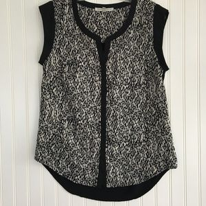 Daniel Rainn patterned/black sleeveless top SIZE S